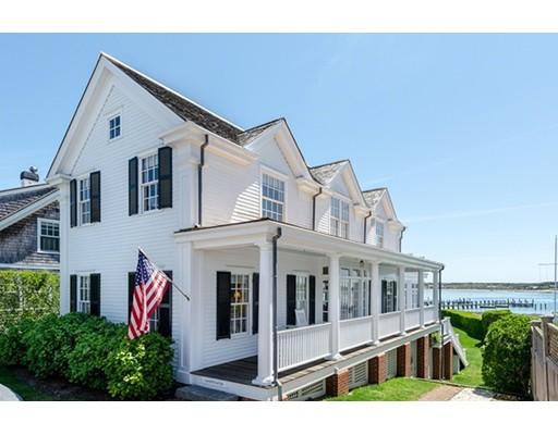 Частный односемейный дом для того Продажа на 119 N Water Street Edgartown, Массачусетс 02539 Соединенные Штаты