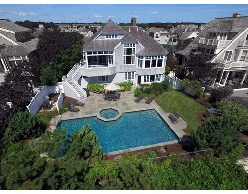 واحد منزل الأسرة للـ Sale في 128 Shore Dr. West Mashpee, Massachusetts 02649 United States