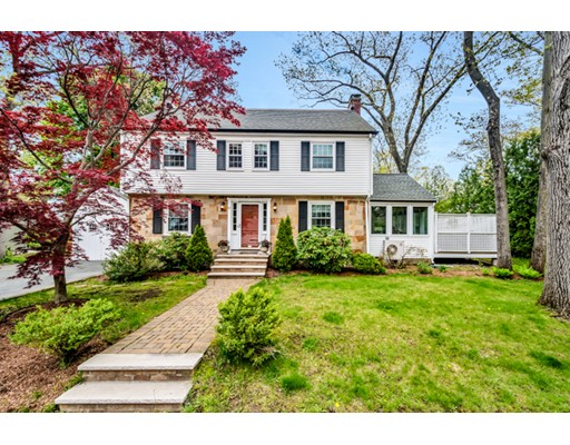 Casa Unifamiliar por un Venta en 27 Hodge Road Arlington, Massachusetts 02474 Estados Unidos