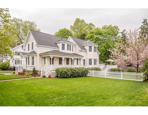 Maison unifamiliale pour l Vente à 105 PRESCOTT STREET Reading, Massachusetts 01867 États-Unis