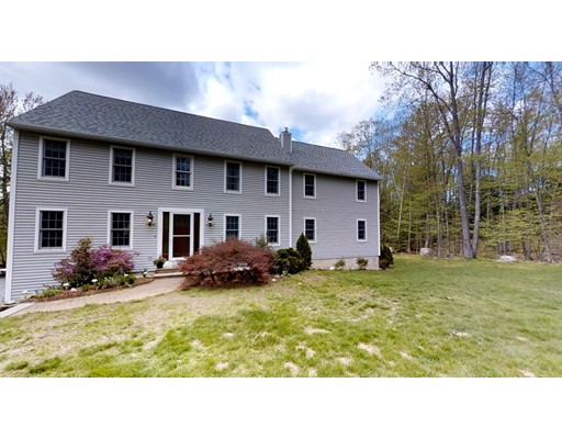 Single Family Home for Sale at 3 Rams Way Kingston, New Hampshire 03848 United States