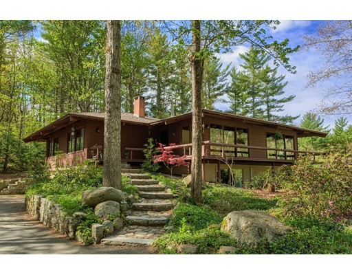 Single Family Home for Sale at 90 West Meadow Road Townsend, Massachusetts 01474 United States