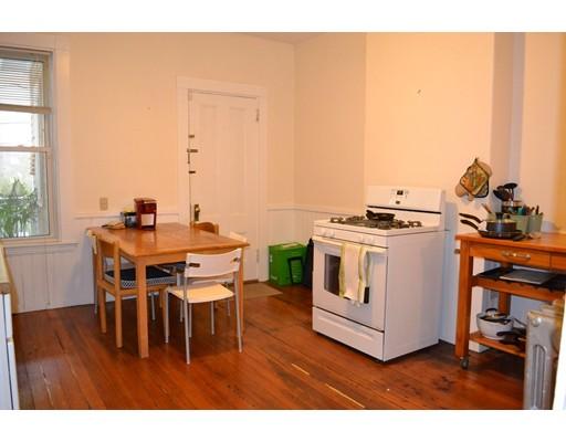 Casa Unifamiliar por un Alquiler en 19 Trowbridge Street Cambridge, Massachusetts 02138 Estados Unidos