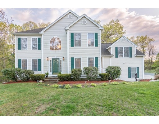 Single Family Home for Sale at 95 Harness Lane Braintree, Massachusetts 02184 United States