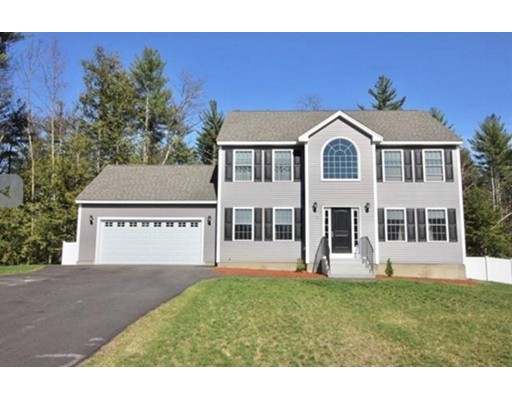 Single Family Home for Sale at 10 Hamel Circle Litchfield, New Hampshire 03052 United States