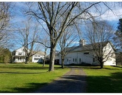 独户住宅 为 销售 在 10 Main Street Cummington, 马萨诸塞州 01026 美国