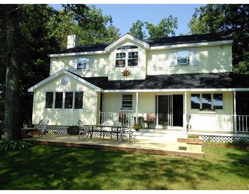 Maison unifamiliale pour l Vente à 13 Old Hamilton Road Sturbridge, Massachusetts 01566 États-Unis