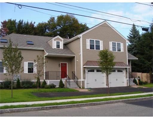 联栋屋 为 出租 在 104 Green Street #00 104 Green Street #00 Reading, 马萨诸塞州 01867 美国