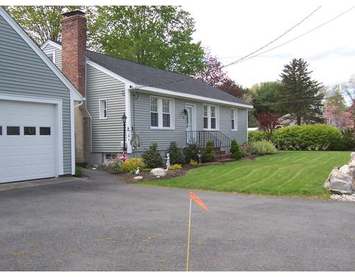 Maison unifamiliale pour l Vente à 81 Parker Street Maynard, Massachusetts 01754 États-Unis
