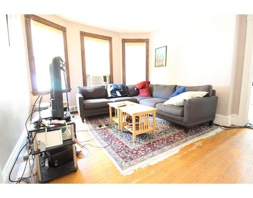 Casa Unifamiliar por un Alquiler en 589 Franklin Cambridge, Massachusetts 02139 Estados Unidos
