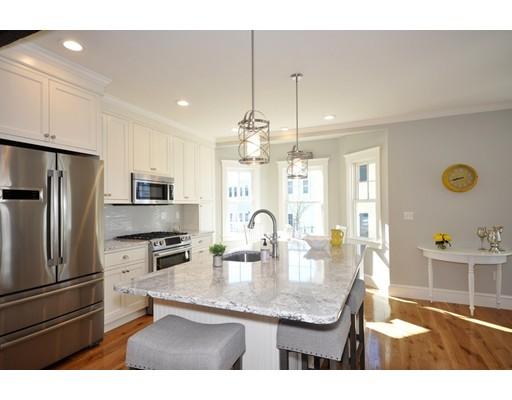 共管式独立产权公寓 为 销售 在 11 Fletcher Road 贝德福德, 马萨诸塞州 01730 美国