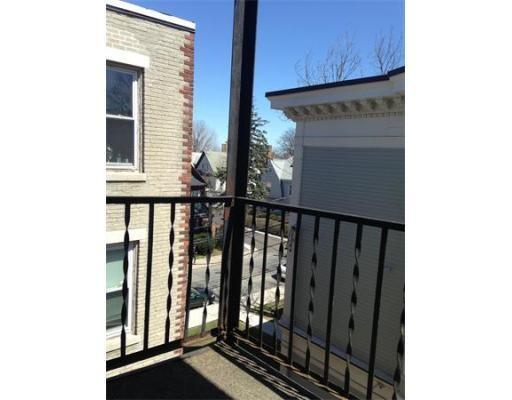 独户住宅 为 出租 在 45 Ashford 波士顿, 马萨诸塞州 02134 美国