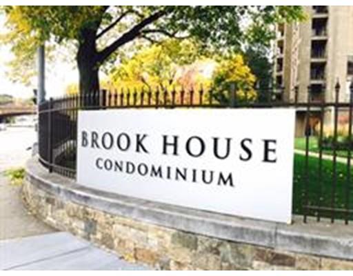 Additional photo for property listing at 44 Washington St #303 44 Washington St #303 Brookline, Massachusetts 02445 United States
