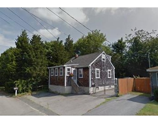 87 Cove St, Portsmouth, RI 02871