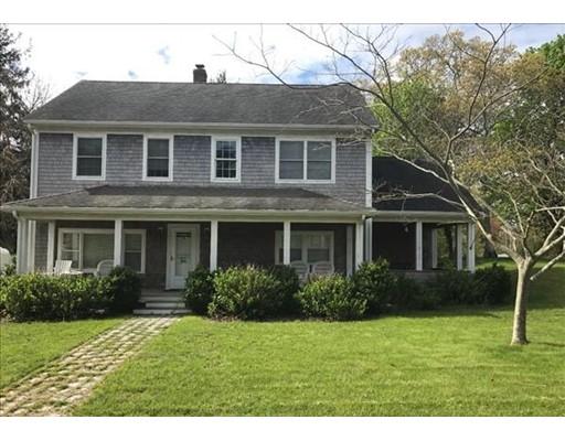 Casa Unifamiliar por un Venta en 54 Lake Street 54 Lake Street Tisbury, Massachusetts 02568 Estados Unidos