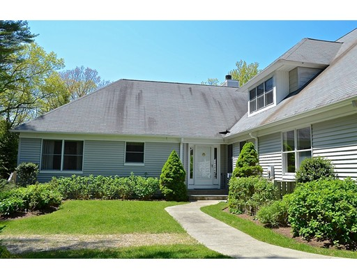 Nhà ở một gia đình vì Bán tại 32 Jenney Lane 32 Jenney Lane Marion, Massachusetts 02738 Hoa Kỳ