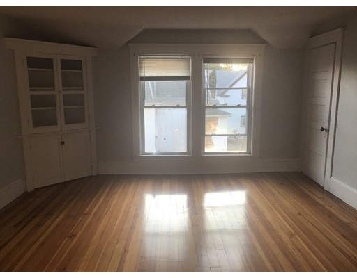 Additional photo for property listing at 20 Waite Street  Malden, Massachusetts 02148 Estados Unidos