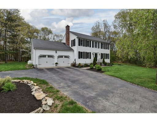 Single Family Home for Sale at 6 4Th Avenue Bellingham, Massachusetts 02019 United States