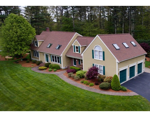 Single Family Home for Sale at 106 Darrington Drive Raynham, Massachusetts 02767 United States