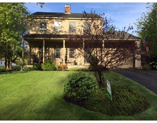 独户住宅 为 销售 在 8 Wendover Road 伍斯特, 马萨诸塞州 01606 美国