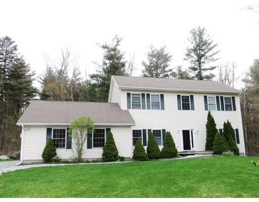 Maison unifamiliale pour l Vente à 870 George Carter Road 870 George Carter Road Becket, Massachusetts 01223 États-Unis