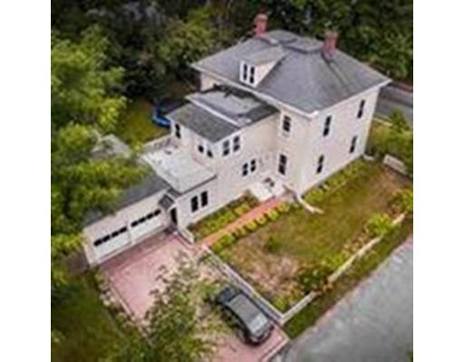 Частный односемейный дом для того Продажа на 550 Washington St, Precinct 1 Dedham, Массачусетс 02026 Соединенные Штаты
