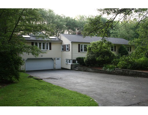Single Family Home for Sale at 4 Lovers Lane Southborough, Massachusetts 01772 United States
