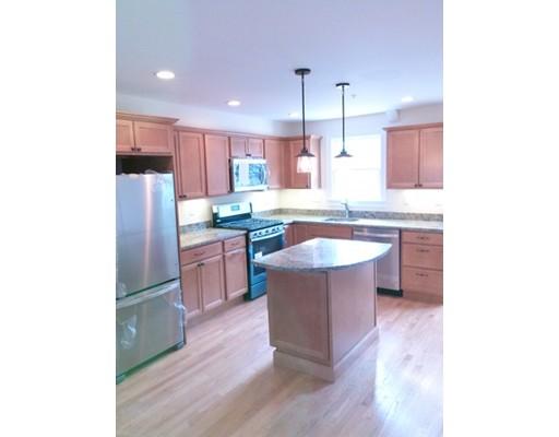 Casa Unifamiliar por un Alquiler en 1014 Chestnut Newton, Massachusetts 02464 Estados Unidos