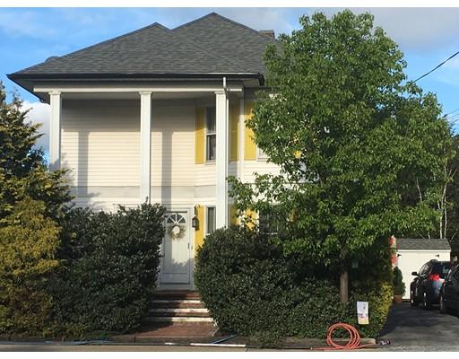 Многосемейный дом для того Продажа на 879 Newport Avenue Pawtucket, Род-Айленд 02861 Соединенные Штаты