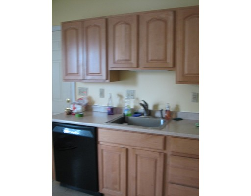 Additional photo for property listing at 16 Pinedale  Methuen, Massachusetts 01844 Estados Unidos