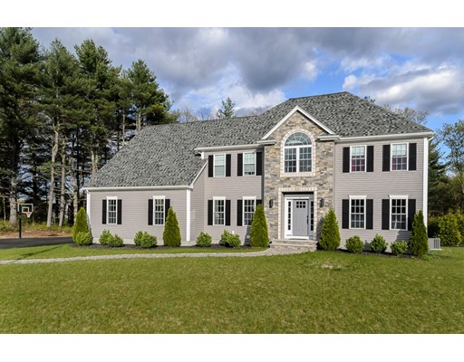 Single Family Home for Sale at 7 Mann Lane Foxboro, Massachusetts 02035 United States