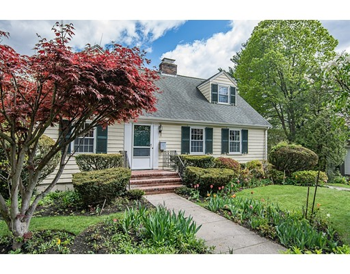105 Pond St, Winchester, MA 01890