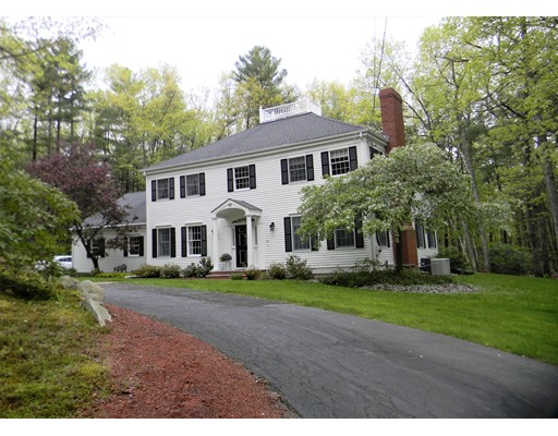 Single Family Home for Sale at 42 Bridle Path Way Tyngsborough, Massachusetts 01879 United States