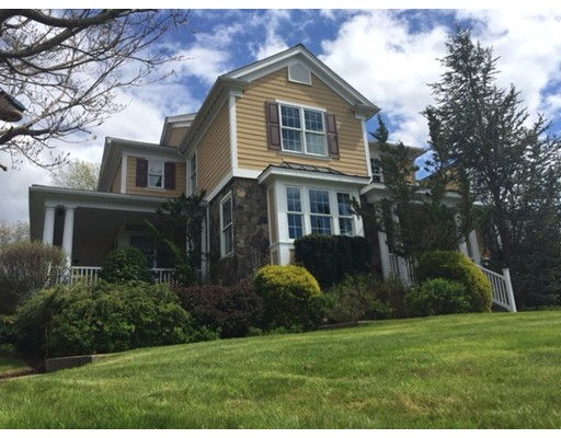 Maison unifamiliale pour l Vente à 42 Murphys Way Uxbridge, Massachusetts 01569 États-Unis