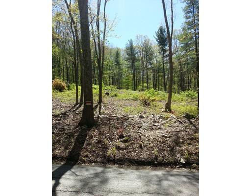 Terrain pour l Vente à 172 Mendon Road 172 Mendon Road Sutton, Massachusetts 01590 États-Unis