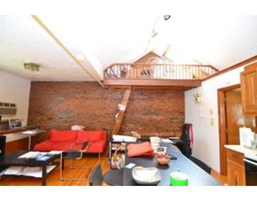 Casa Unifamiliar por un Alquiler en 93 Hudson Street Boston, Massachusetts 02111 Estados Unidos