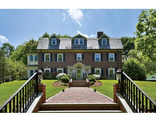 Casa Unifamiliar por un Venta en 106 Clinton Road Brookline, Massachusetts 02445 Estados Unidos