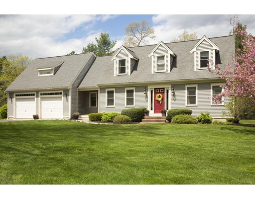 Single Family Home for Sale at 4 Pats Place Kingston, Massachusetts 02364 United States