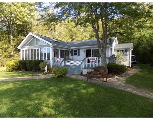 Maison unifamiliale pour l Vente à 4 Collette Drive Holland, Massachusetts 01521 États-Unis