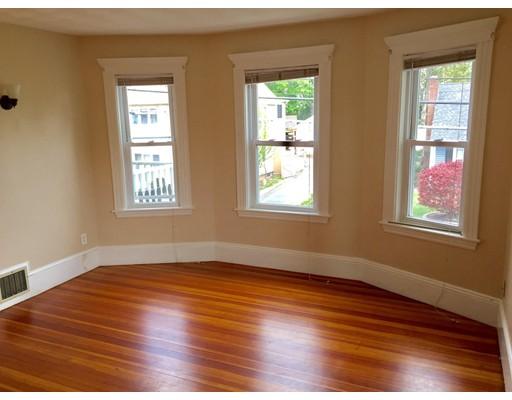 独户住宅 为 出租 在 61 Shirley 温思罗普, 02152 美国
