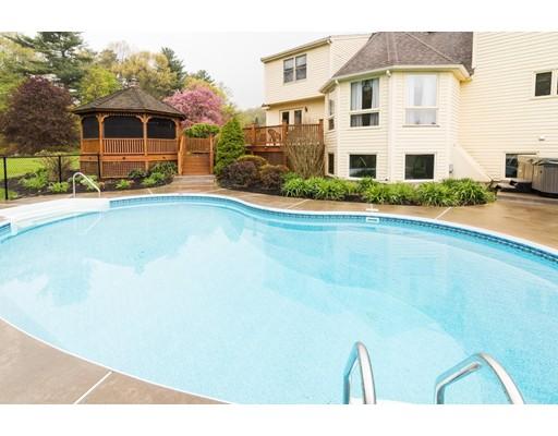 واحد منزل الأسرة للـ Sale في 382 Chicopee Row Groton, Massachusetts 01450 United States