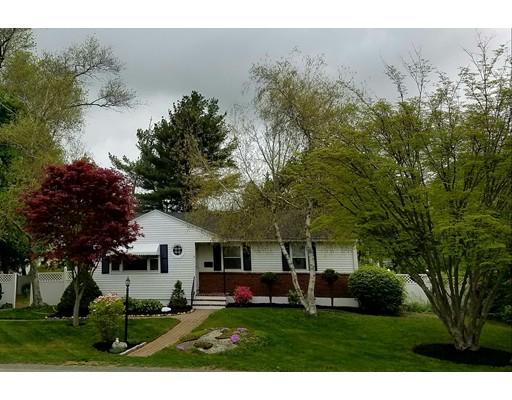 Частный односемейный дом для того Продажа на 6 Nolan Street Avon, Массачусетс 02322 Соединенные Штаты