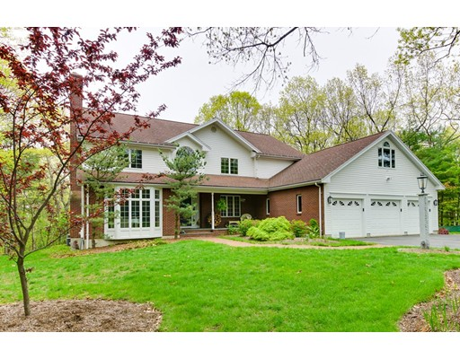 Single Family Home for Sale at 24 Woodstone Road 24 Woodstone Road Northborough, Massachusetts 01532 United States