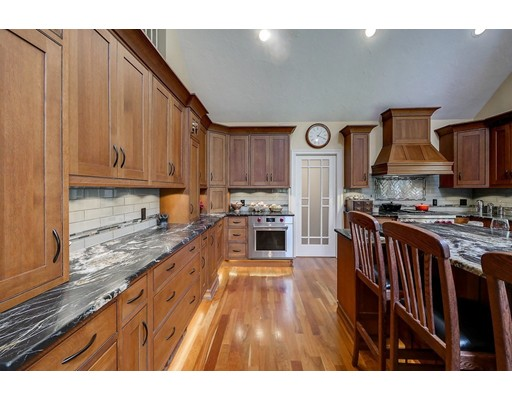 Maison unifamiliale pour l Vente à 6 Magnolia Road Windham, New Hampshire 03087 États-Unis