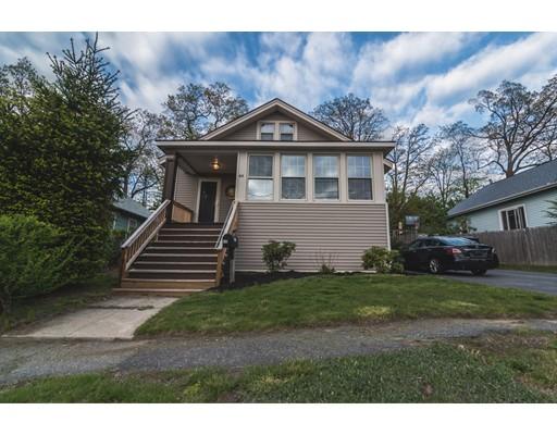 Maison unifamiliale pour l Vente à 44 Volkmar Road 44 Volkmar Road Worcester, Massachusetts 01606 États-Unis