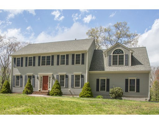 Single Family Home for Sale at 15 Willow Place Norfolk, Massachusetts 02056 United States