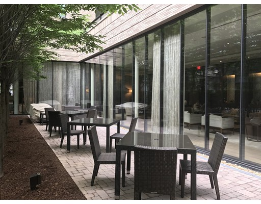 Casa Unifamiliar por un Alquiler en 580 Washington Street Boston, Massachusetts 02111 Estados Unidos