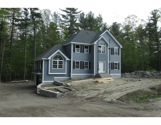 Single Family Home for Sale at 137 Clement Road Pelham, New Hampshire 03076 United States
