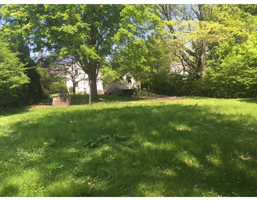 10 Paine St, Wellesley, MA 02481