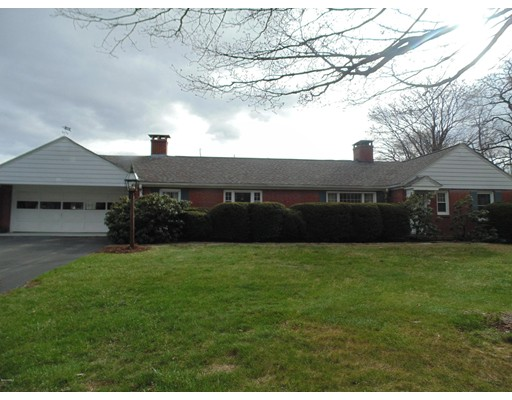 Single Family Home for Sale at 11 Old Post Road Worthington, Massachusetts 01098 United States